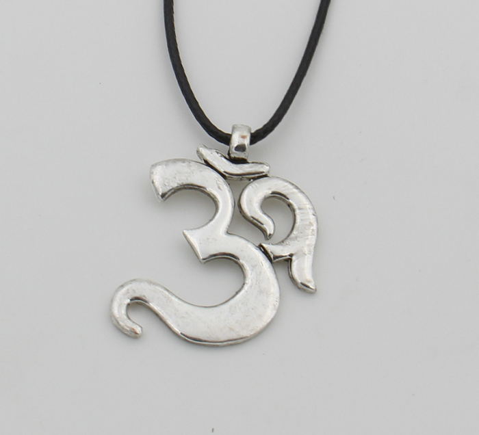OHM Hindu Buddhist AUM OM Necklace Pendant Hinduism Yoga India Outdoor Sport Silver Tone Vintage Jewelry Women<br><br>Aliexpress