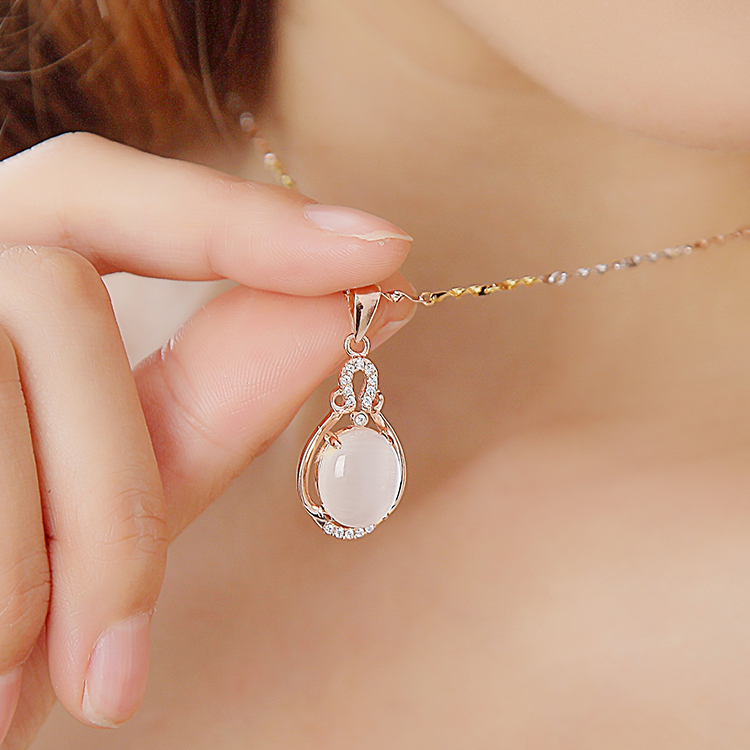 Chain Necklace female clavicle plating color gold necklace plated in Rose Gold Opal Pendant Jewelry Fashion Gifts