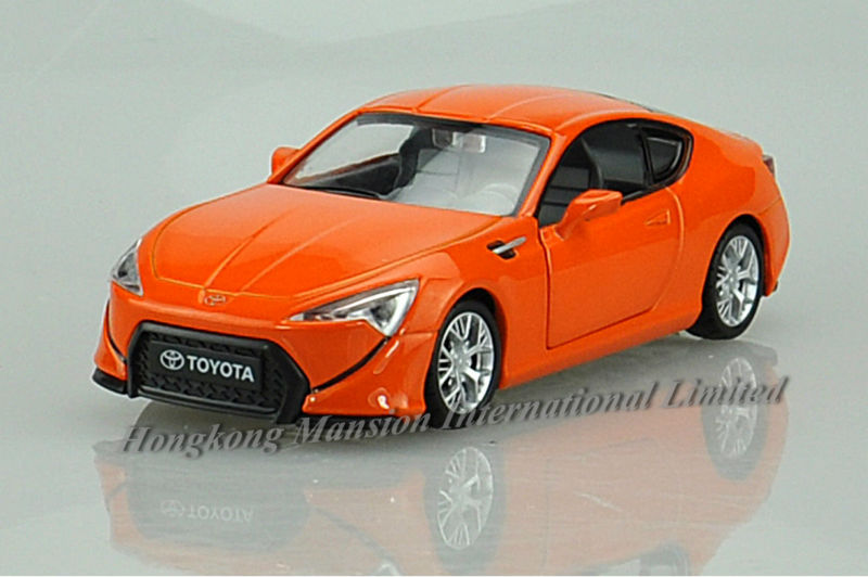 1:32 Scale Alloy Metal Diecast Car Model For TOYOTA FT-86 Collection Model Pull Back Toys Car With Sound&Light(China (Mainland))