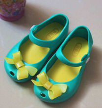 2015 Kids Shoes For Girls  Strap Baby Rubber Mini Melissa Cute Bow Sandals Children3 Bowtie Rain Boots Shoes With Fragrance(China (Mainland))