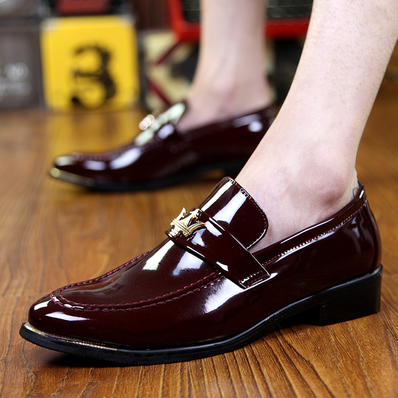 Korean version casual oxfords Patent Leather men shoes Fashion pointed toe leather shoes breathable slip-on oxford shoes Z087