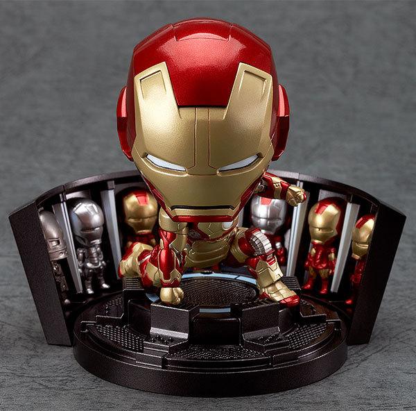 Iron Man 10cm 1pcs PVC Figure The Avenger Iron Man MK42 Cute Mini Toys Q Nendoroid Action Anime Figures Kids Gifts Toys 1226(China (Mainland))