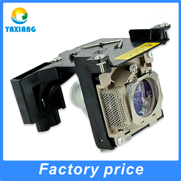 Фотография Compatible projector lamp bulbs TLPLD1/D2 with housing for TLPLD1/TLPLD2/TDP-D1/TDP-D2/TDP-D1-US