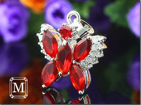 NEW ! Ultra-low price,Gift Bag, Fashion Jewelry, Dense Zircon Green Emerald Red Ruby Butterfly CZ Pendant Necklace MP34R