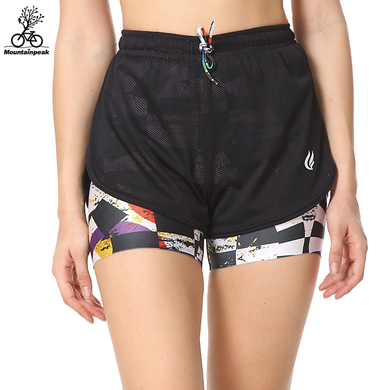 Get into that sporting spirit with our latest range of womens running shorts at boohoo. Perfect for summer, take a jog in our runner shorts at boohoo.