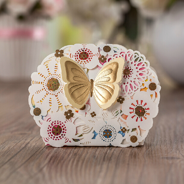 50X Personalized Laser Cut Wedding Candy Boxes Luxury Gold Butterfly Candy Box Bag 2015 Wedding Favours Gift Box Paper Casamento(China (Mainland))