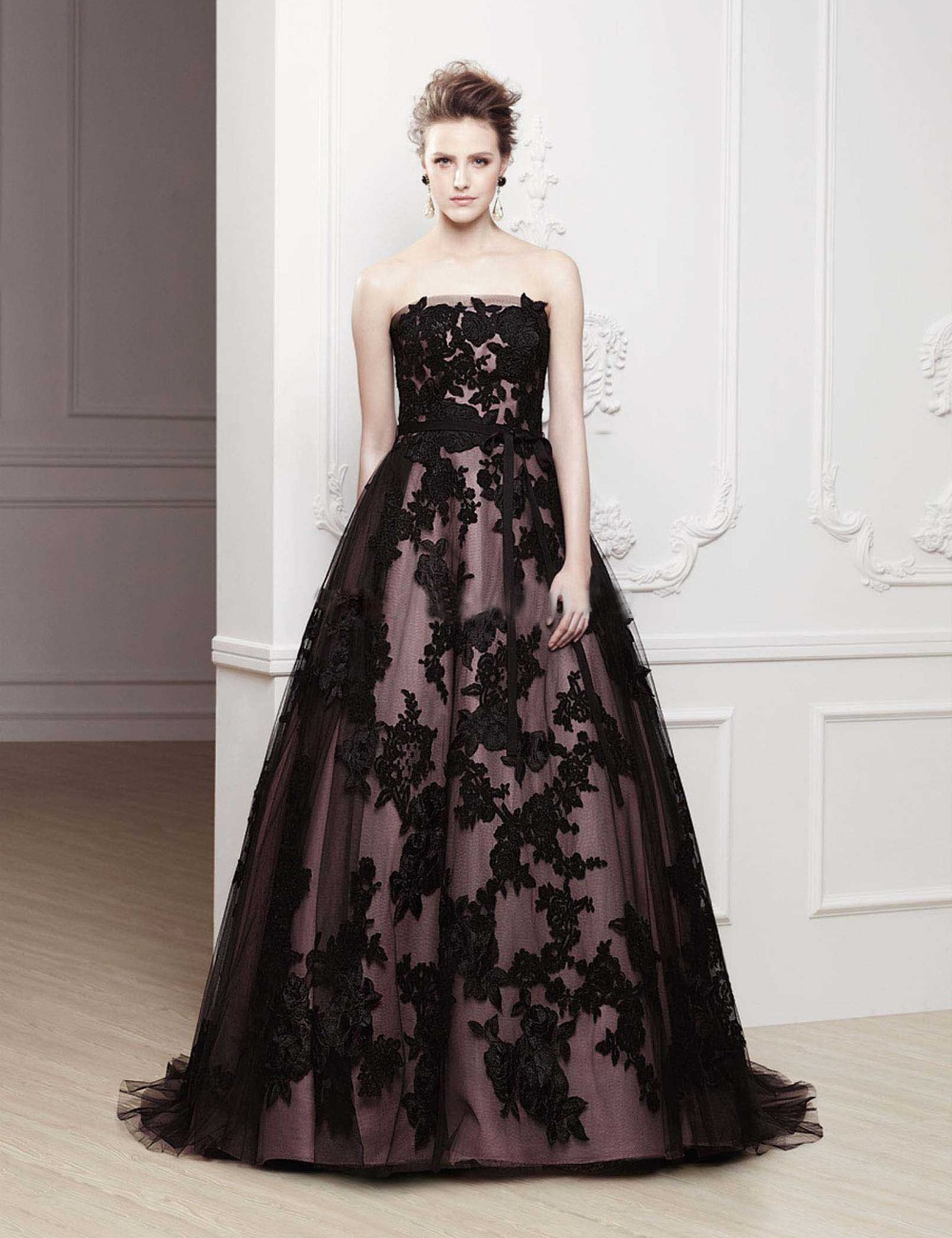 sexy strapless tulle appliques wedding dresses black lace. Black Bedroom Furniture Sets. Home Design Ideas