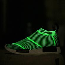 New Arrival 2016 Men breathable Luminous shoes boosts Fashion casual walking shoe Flat men Trainers menTenis Masculino Esportivo