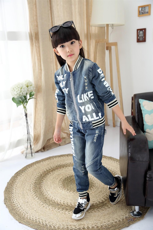 Скидки на Бесплатная доставка 2015 осень детская одежда джинсовая куртка письмо дети куртка девушки одежда мальчиков одежда