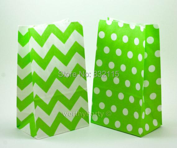 Mix Green polka dot Paper Gift Bags handles and a flat bottom,environmentally friendly fun party bags 22X13X8cm(China (Mainland))
