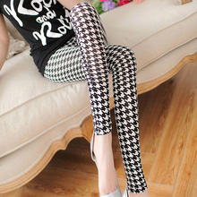 2016 Woman Plaid Leggings Fashion Black White Plaid Milk Silk Leggings High Elastic Ankle Length Trousers Leggings(China (Mainland))