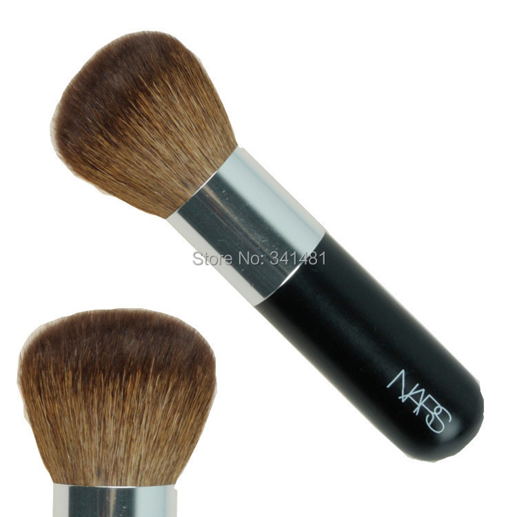 Big bronzer brush