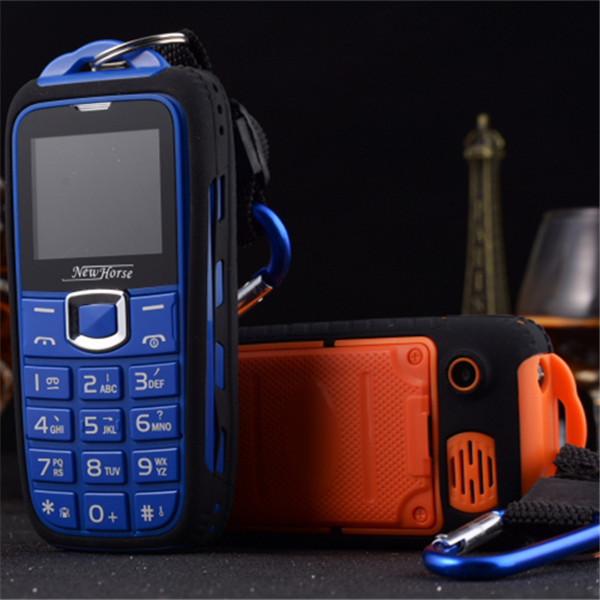 2015 HOT! Power Bank Phone ML18 Long Standby 8800mAh Mobile Phone GSM Quad Band DualSim Bluetooth Camera Russian Keyboard(China (Mainland))