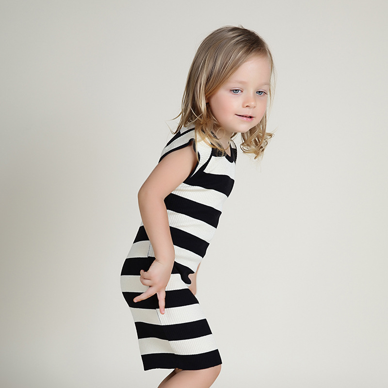 2016 new small and medium sized girls dress black and white fashion stripe knitted shoulder sleeve dress girl children's wear(China (Mainland))