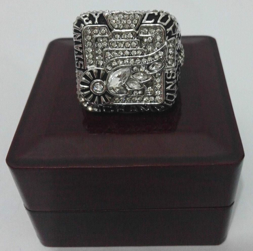 Bottom Price for Replica Newest Design 2008 Ice Hockey Detroit Red Wings Championship Ring With Wooden Boxes(China (Mainland))