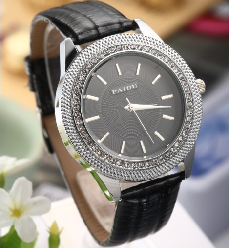PAIDU Brand High Quality Fashion  and Causal Wrist Watch  Men and Women Dress  Black White Leather  WatchFree Shipping!!<br><br>Aliexpress
