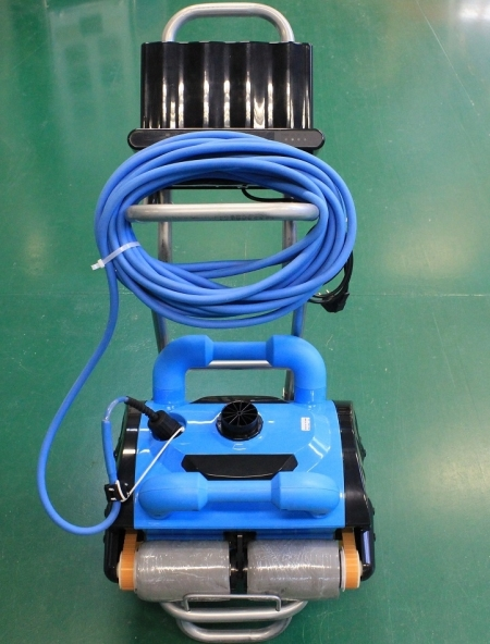 Pool Automatic Cleaner Pool Robot Swimmling Cleaner iCleaner-200 With 15m Cable Remote Control(China (Mainland))