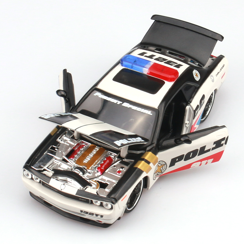 Brand New MAISTO 1/24 Scale Police Edition USA Dodge Challenger SRT Diecast Metal Car Model Toy For Gift/Collection/Kids(China (Mainland))