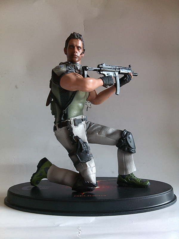 FREE SHIPPING classics Resident Evil Chris Redfield 22CM model figure Toy  without original Box loose<br><br>Aliexpress