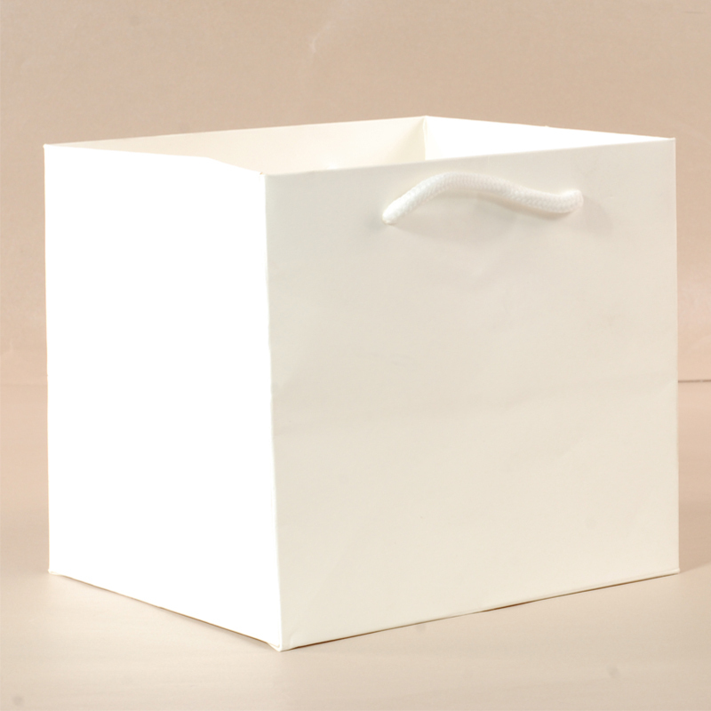 5 pcs/lot White Kraft Paper Bags 30*40*13cm Raw material Is Cardboard Packaging For Mention Handbags Packages Suit For Party(China (Mainland))