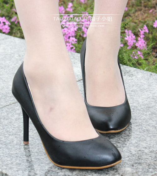 2013 high-heeled pointed toe single shoes ol thin heels shallow mouth low women's black formal