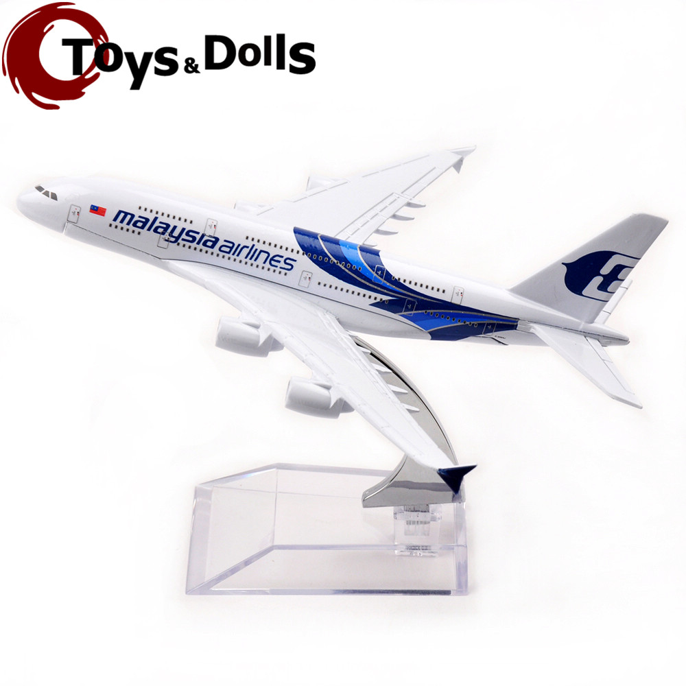 Collectible Airplane Model 16cm Passenger Plane Model Malaysia Airlines 747-400 Diecast Alloy Model Airplane Kids Toys Gifts D(China (Mainland))