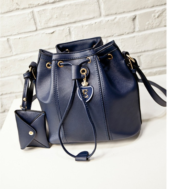 woman famous design Messenger bags Japanese Korean style drawstring bucket female clasp crossbody shoulder handbag <br><br>Aliexpress