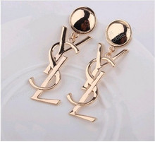 Korean jewelry big LOGO smooth sexy nightclub golden earrings wholesale influx of women B3 5TT526