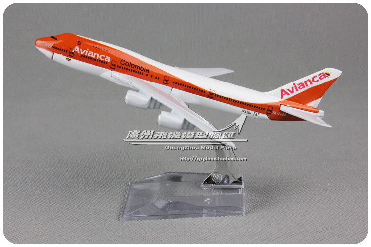 (5pcs/lot) Wholesale Brand New 1/440 Scale Airplane Model Toys Avianca Airlines Boeing B747 16cm Diecast Metal Plane Model Toy(China (Mainland))