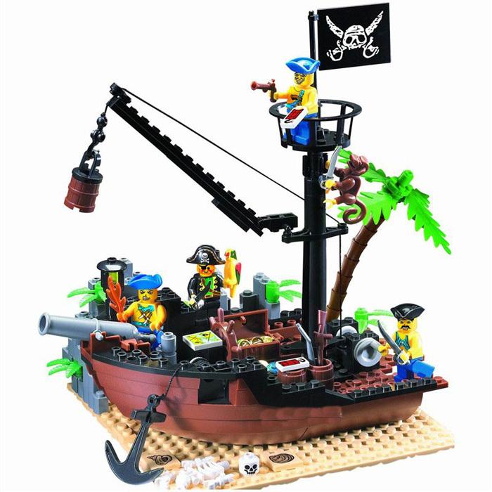 Enlighten 178PCS Pirate Series Pirate Ship Scrap Dock Model Building Blocks Sets Minifigures Compatible With Lego