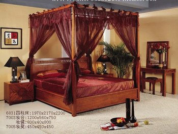 four pillar bed