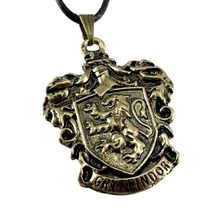 Harry Potter Necklace Jewelry Hogwart Gryffindor Slytherin Ravenclaw School Crest Pendant Necklace Statement Collares Mujer