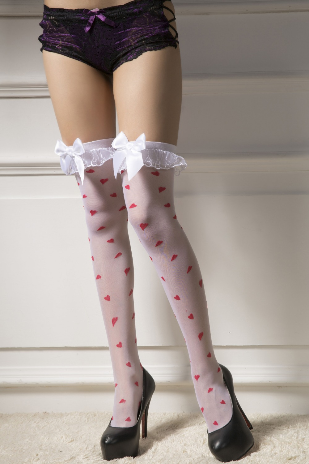 2015 new women's sexy meias stay up lace top thigh highs socks sweety heart bowknot stocks show beautiful(China (Mainland))