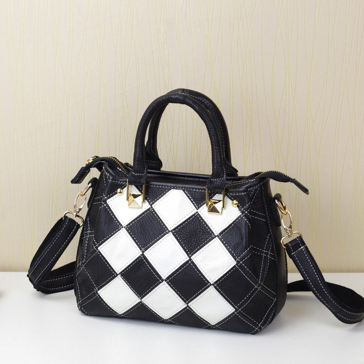 2016 Guangzhou leather agents European and American fashion hit the color black white plaid small square Messenger bag handbag(China (Mainland))
