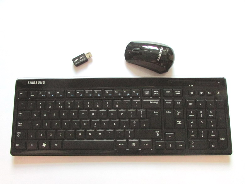 MAORONG TRADING Original 10 meters 2.4G chocolate multimedia wireless keyboard and mouse for samsung laptop desktop pc(China (Mainland))