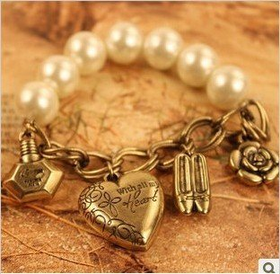 NEW Retro Imitated Pearl bracelet with high heels, perfume, rose , heart / Vintage Bracelet Bangle S5088