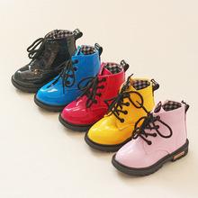 Venta caliente de Los Niños Zapatos de Cuero de LA PU Impermeable Martin Botas Niños Botas de Nieve Niñas Zapatillas de deporte de Marca Niños Botas De Goma de Moda(China (Mainland))