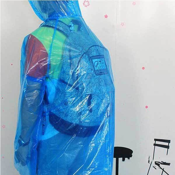 Claremont Fieldwork Travel Disposable Plastic Raincoat Poncho Rain Gear(China (Mainland))