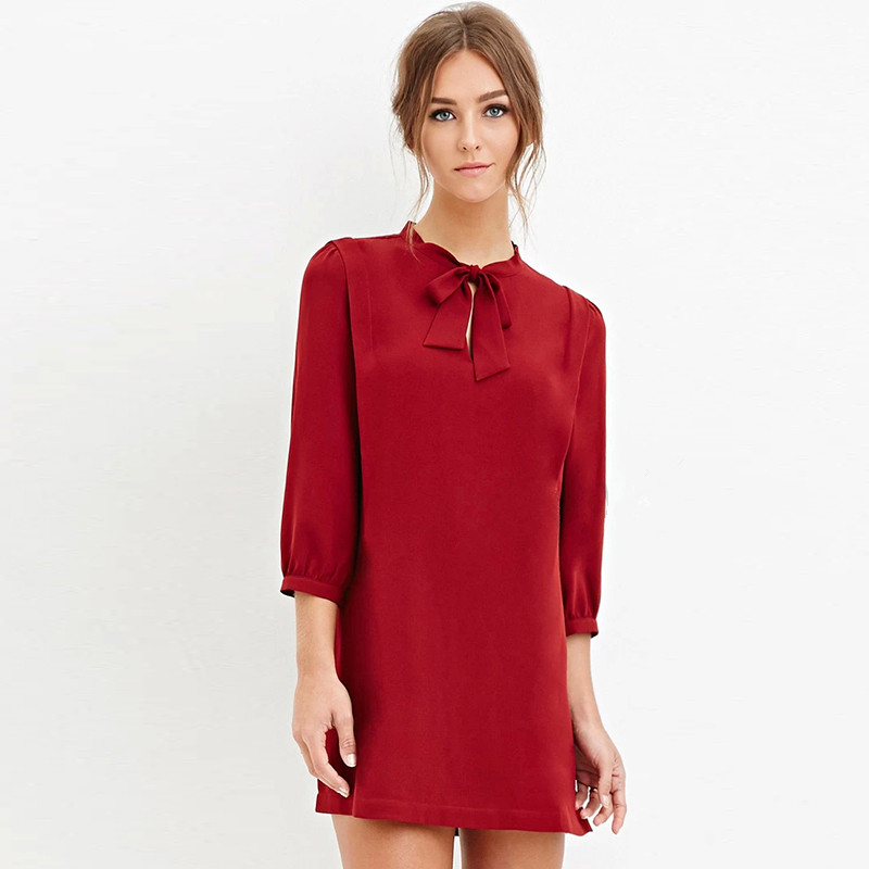 Simple A Perfect Neckline Not Only Helps You Accentuate Your Bustline But Also Gives An Overall Chic Look To Your Outfit Read This Buzzle  Square Neck Women With A Low Bustline Should Avoid Wearing Dresses With Square Necks This Neckline