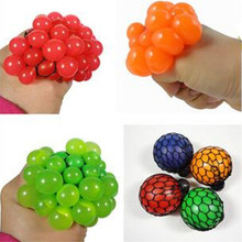 1PC Vent Grape Ball Venting Toy Funny Goods Decompression Tricky Toys Squeeze Ball Halloween April Fools' Day Gifts J219-Z(China (Mainland))