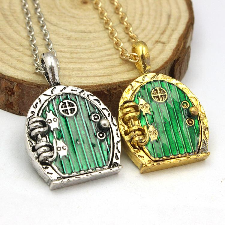 The Vintage Bronze Green Hobbit Door Locket Pendant Chain Necklace(China (Mainland))
