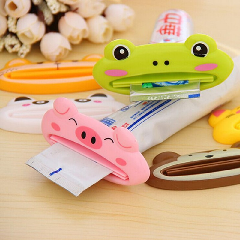 3PCS multicolor Cute Animal Multifunction portable Plastic Toothpaste Squeezer Bath Toothbrush Holder bathroom sets home items(China (Mainland))