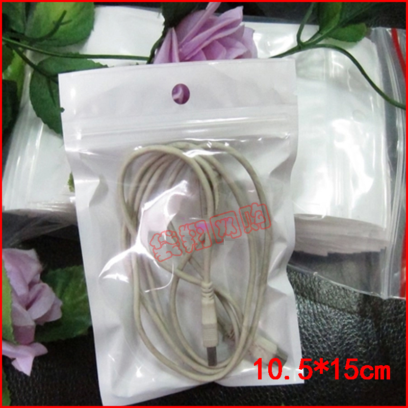 size 10.5*15cm plastic bags with hang hole for phone wire packaging Free Shipping(China (Mainland))