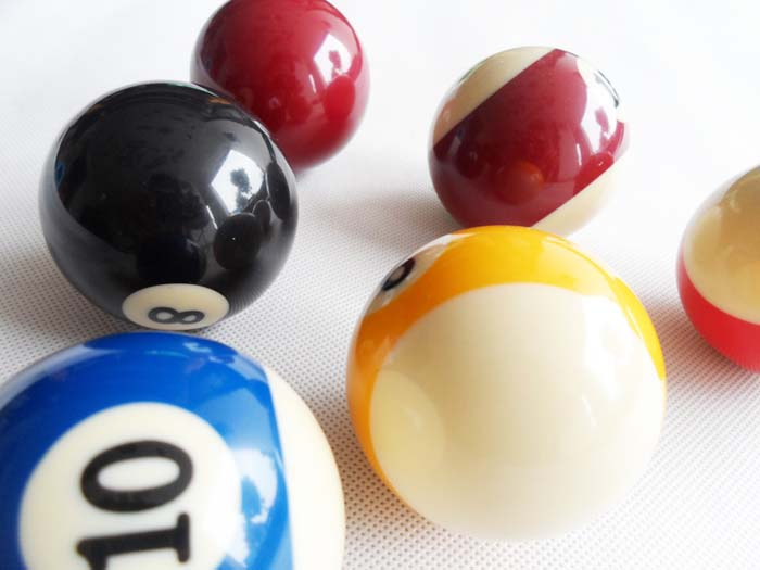 Free shipping 2pcs/lot Single Billiard Cue Balls 52.5mm Resin Pool Balls Nine-ball Balls Billiards accessories(China (Mainland))