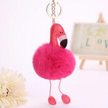 Fofo Flamingo Chaveiro Coelho Chaveiro Pompom Pom Pom Coelho da Mulher Fur Bag Encantos Chaveiros Carro Pingente de Chave Anel Titular jóias(China)