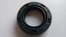 chainsaw parts oil seal fits  018 MS180 chain saw high quality  10PCS