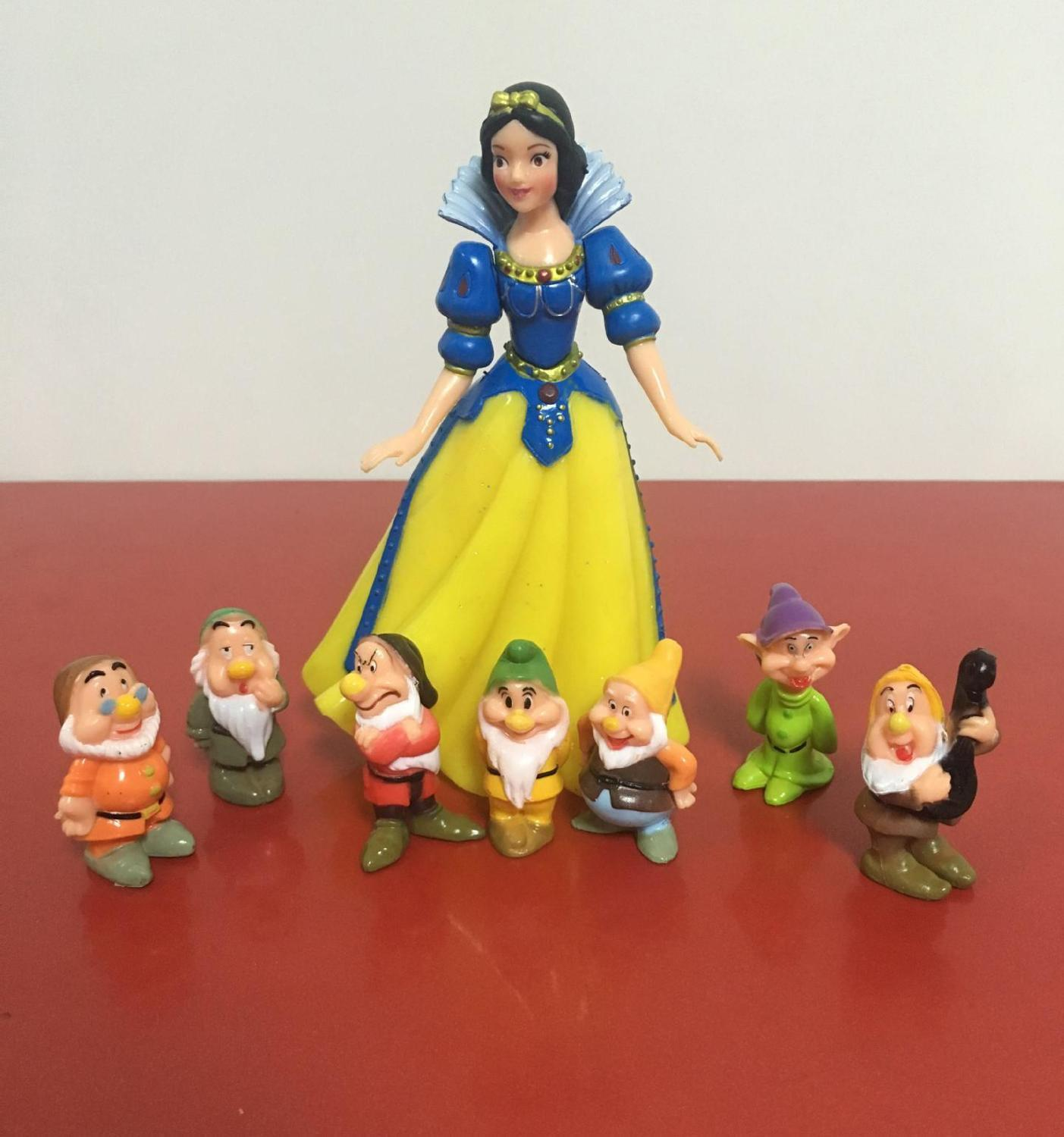 Fashionable White Princess and Seven Dwarfs Toy Set Toy Dolls Micro Landscape Animated Toys Live Sample Jewelry Toys(China (Mainland))