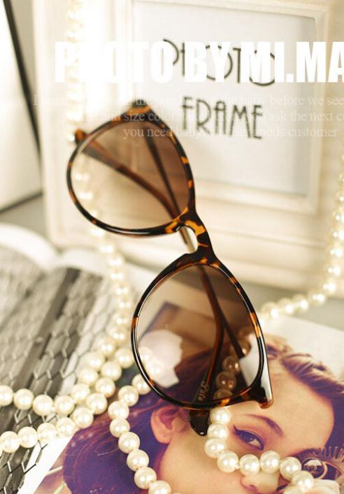 Cute sunglasses make face littler 4 colors 2014 hot selling fashion women sun glasses Super Fashion oculos de sol GL-5233(China (Mainland))