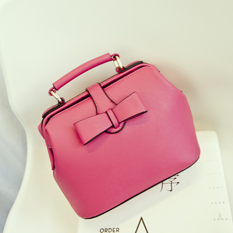 Здесь можно купить  100% GENUINE LEATHER Handbags Women Fashion Designer High Quality Shoulder Bags Luxury Bag Bolsos Star Style Free Shipping CB45  Камера и Сумки