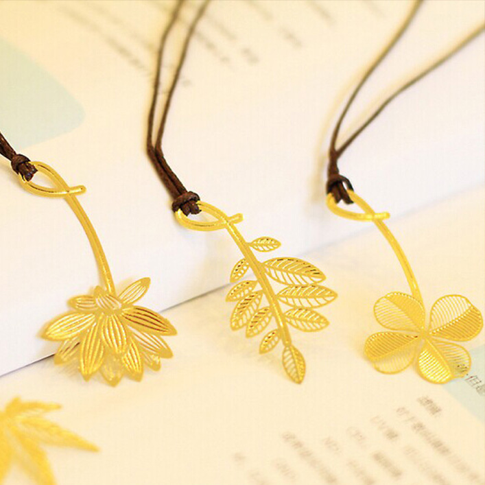 8 pcs/Lot Clover leaf bookmark Metal bookmarks Gold book marks Stationery office School supplies material escolar papeleria(China (Mainland))